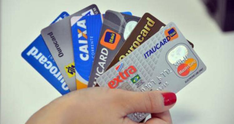 Como usar o cartão de credito de maneira Correta